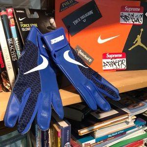 NIKE-blue 'FORCE EDGE' baseball batting gloves NWT